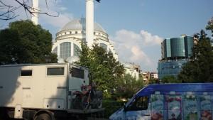 Shkoder, Stellplatz vor Mosche